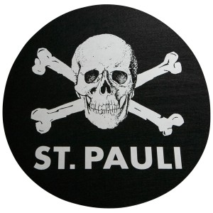 FC_St_Pauli_Slipmat_Totenkopf_schwarz-9752_0